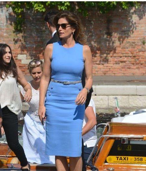 FOTO #5: Cindy Crawford con el mismo vestido azul