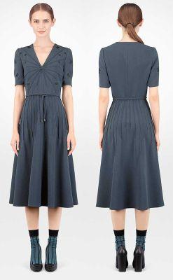 ee9d40a73 El vestido es espléndido en tono y estructura